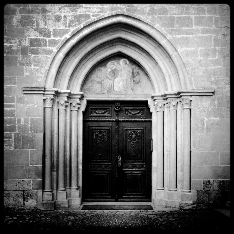 La porte de l 39 abbaye cistercienne d 39 hauterive photos for A la porte de l eternite